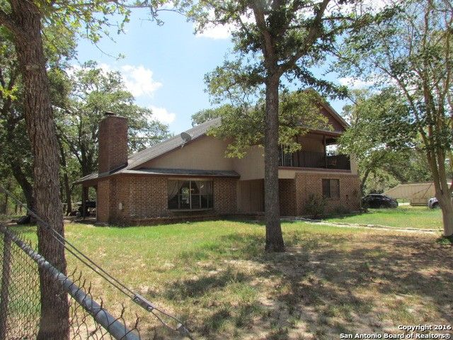 1971 deer trl floresville tx 78114 home for sale and real estate listing