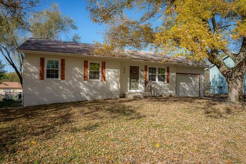 1804 Stacy Rd, Harrisonville, MO 64701