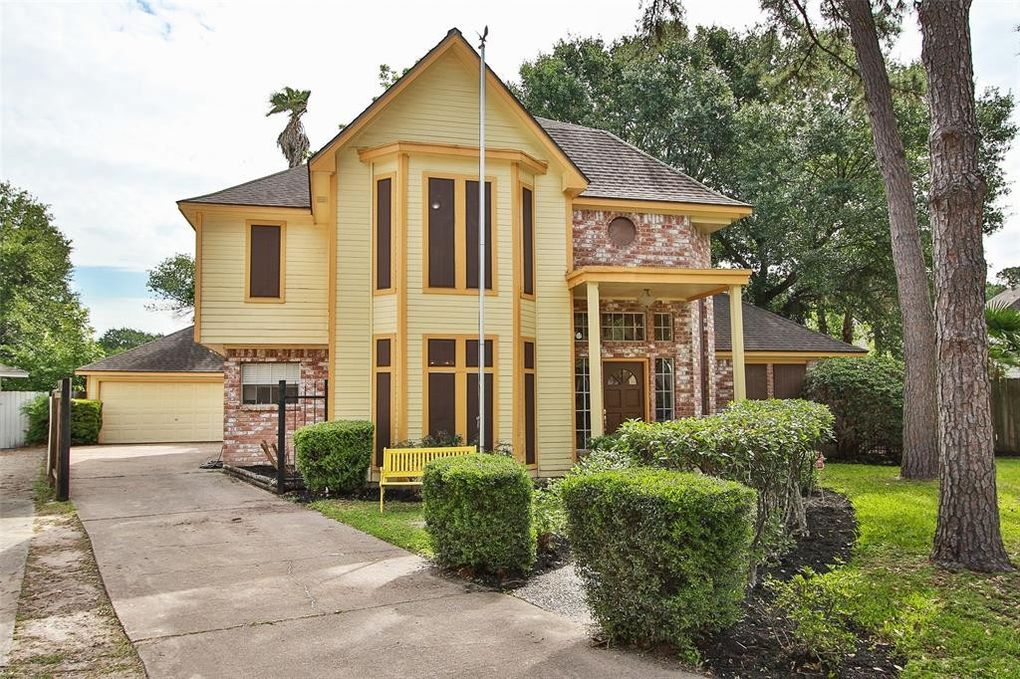 12006 Carriage Ridge Ct Houston, TX 77070