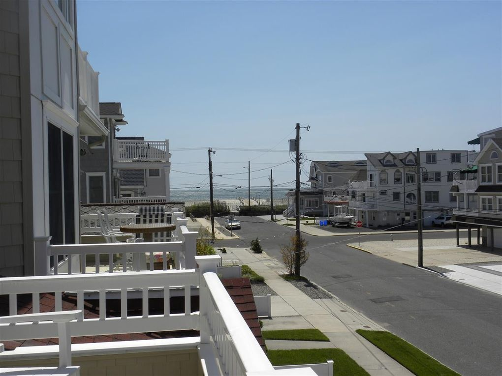 sea isle city hindu singles This single family home is located in the south end of the island this home features the living room, dining area, kitchen, three bedrooms and 15 baths central air and off street parking.