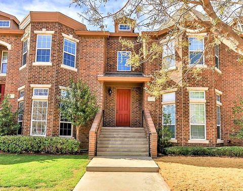 Photo of 2135 10th St, Lubbock, TX 79401