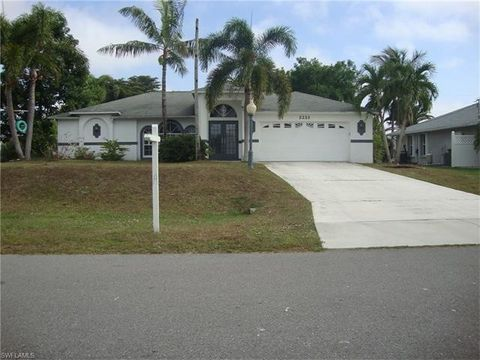 2223 Sw 12th Pl, Cape Coral, FL 33991