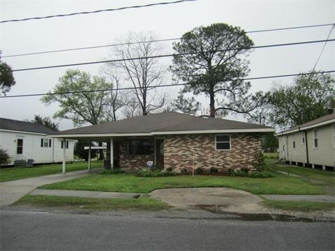 912 West Dr, Westwego, LA 70094