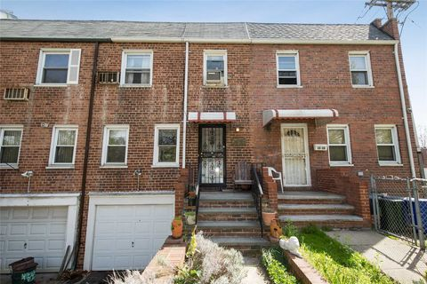 Photo of 56-57 Clearview Expy, Bayside, NY 11364