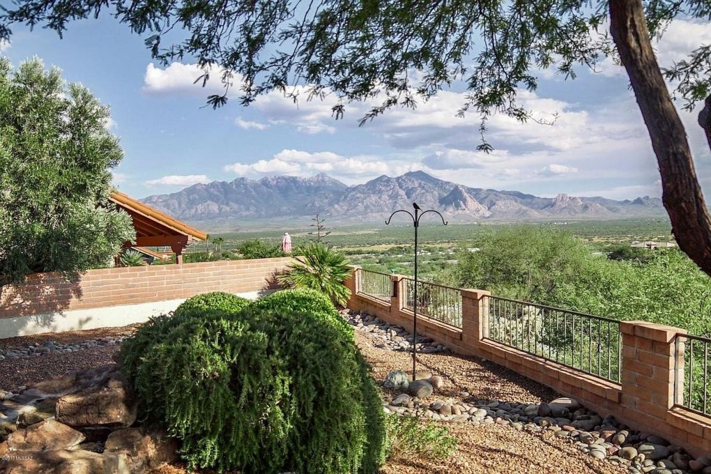 1749 W Sonoran View Dr, Green Valley, AZ 85622