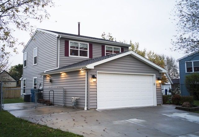 20823 S Frankfort Square Rd, Frankfort, IL 60423