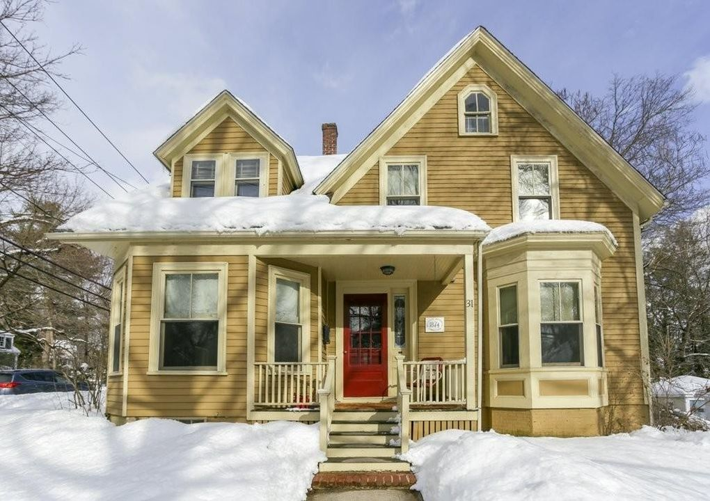 31 Curve St, Wellesley, MA 02482