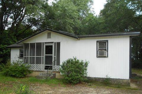 Photo of 63 Oakwood Dr, Oglethorpe, GA 31068