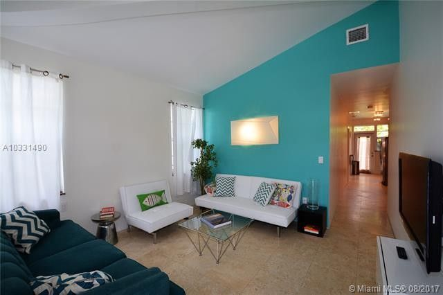 826 7th St Apt 3, Miami Beach, FL 33139