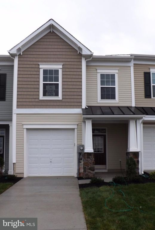 104 Oflannery Ct, Martinsburg, WV 25403