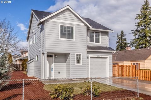 Photo of 6707 Se Fir Ave, Milwaukie, OR 97206