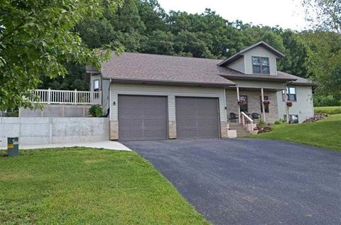 Photo of 115 Roecker St, Loganville, WI 53943