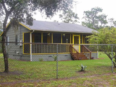 214 Leisurely Ave, Satsuma, FL 32189