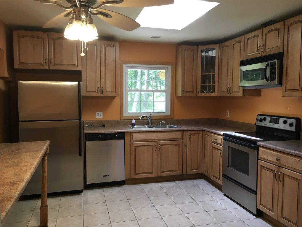 Kitchen Design Victor Ny 24 victor ln, poughkeepsie, ny 12601 - realtor®