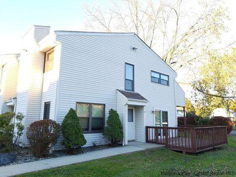 25 Pierces Rd, Newburgh, NY 12550