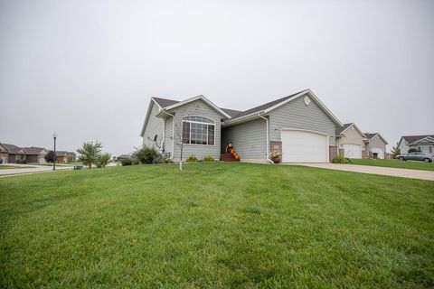Photo of 3718 Jewel Cir, Spirit Lake, IA 51360