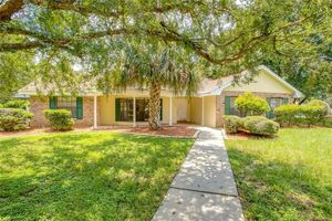 1690 Sunset Cir, 32757