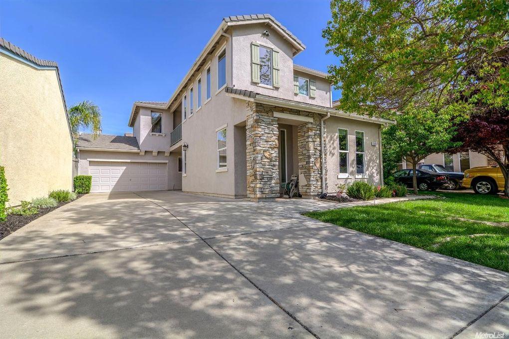 221 Barnhart Cir, Sacramento, CA 95835