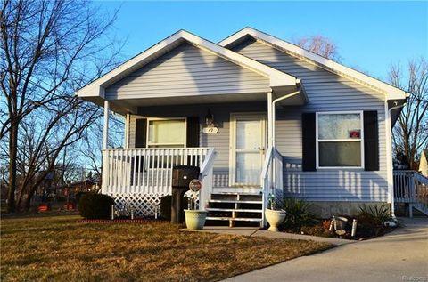 Photo of 49 Oakhill St, Pontiac, MI 48342