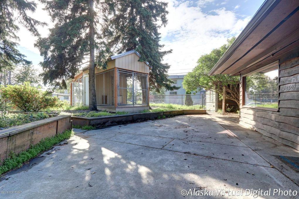 1501 W 41st Ave, Anchorage, AK 99503
