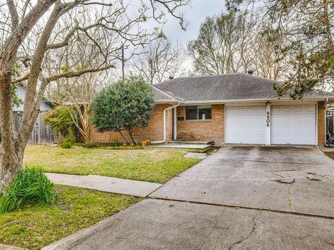 Photo of 8906 Bob White Dr, Houston, TX 77074