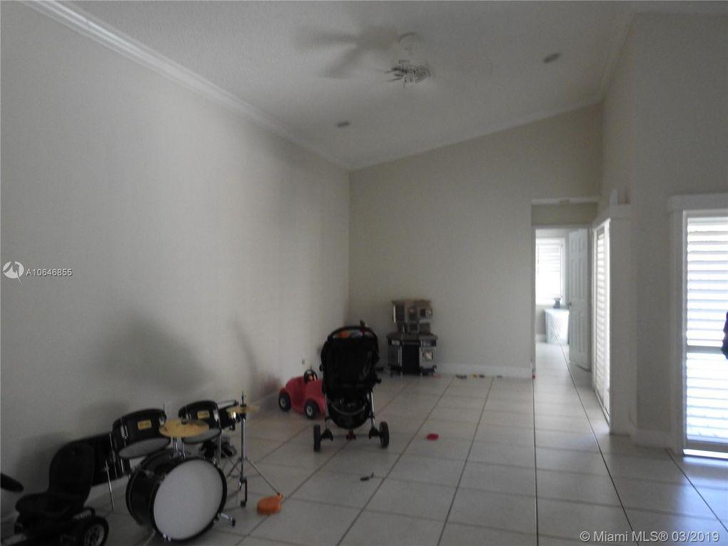 5212 Sw 151st Pl, Miami, FL 33185
