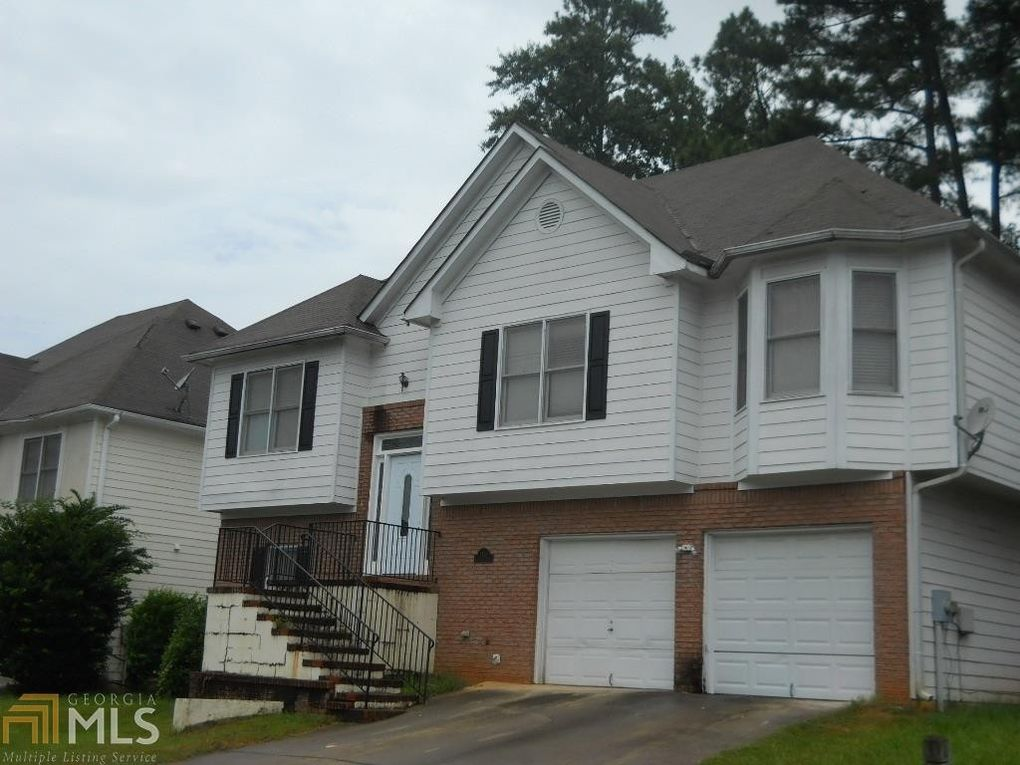 5495 Twin Lakes Dr College Park GA 30349