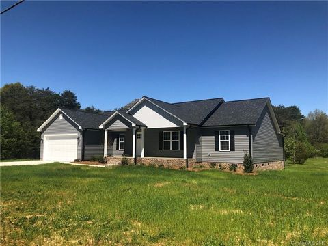 Photo of 6338 Little Mountain Rd, Sherrills Ford, NC 28673