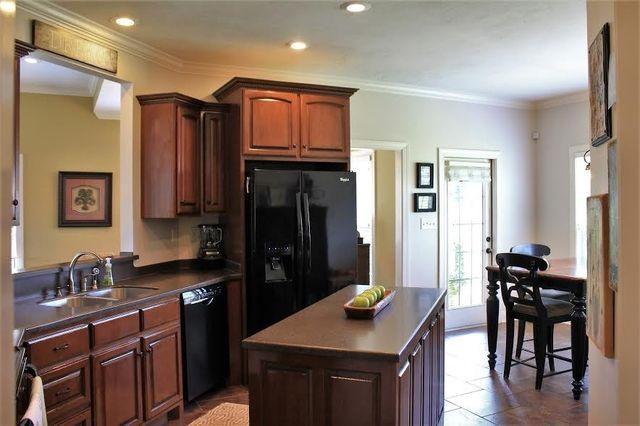 Kitchen Cabinets Jackson Tn 13 brookwood dr, jackson, tn 38305 - realtor®