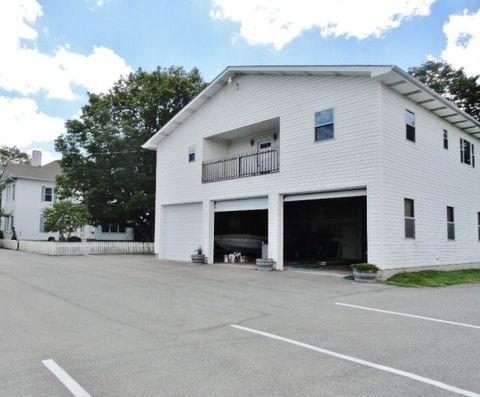 419 Main St E, Oak Hill, WV 25901
