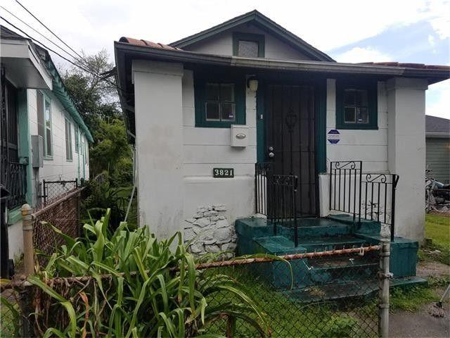 3821 Panama Ct, New Orleans, LA 70125