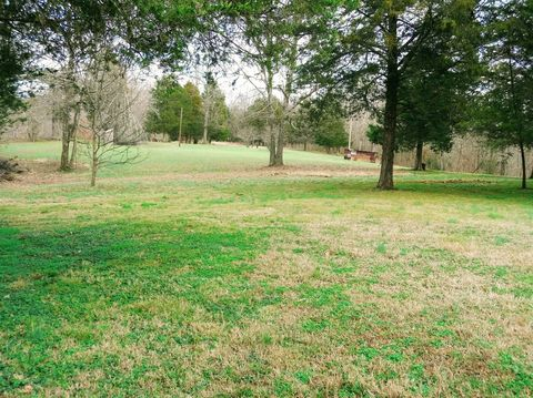Photo of 1885 Tottys Bend Rd, Duck River, TN 38454