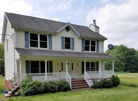 592 Cold Springs Rd, East Stroudsburg, PA 18302