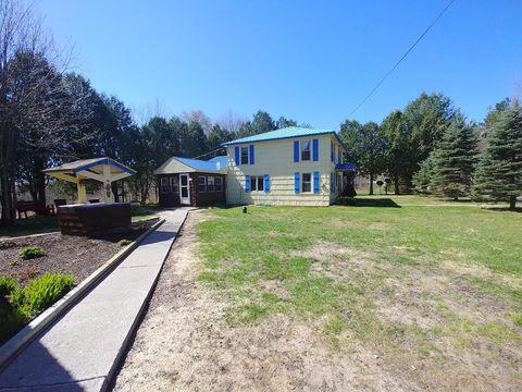 Photo of 394 County Route 14, Saint Regis Falls, NY 12980