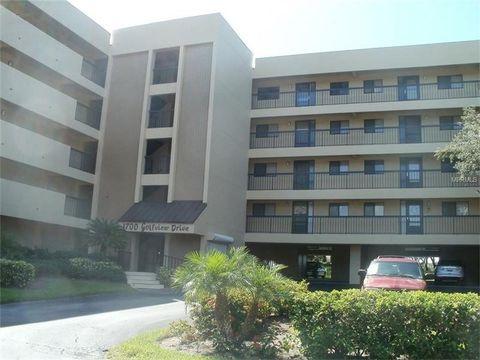 1747 Golfview Dr, Tarpon Springs, FL 34689