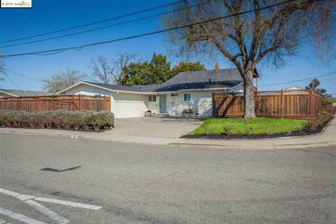 Photo of 960 Temple Dr, Pacheco, CA 94553