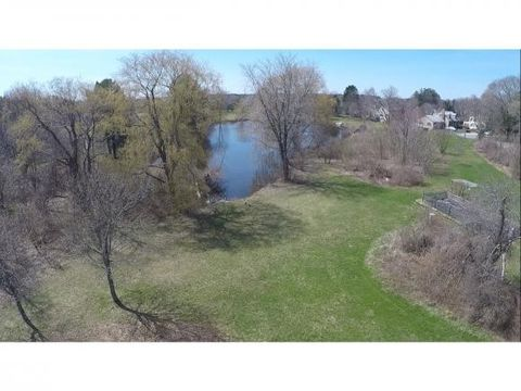 996 Maplewood Ave, Portsmouth, NH 03801