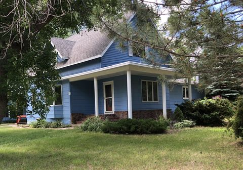 Photo of 203 7th Ave N, Woonsocket, SD 57385