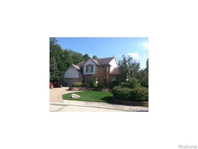 28290 Cypress Ct, Farmington Hills, MI 48331