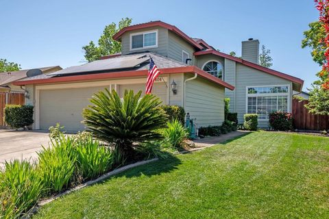 Photo of 3404 Sand St, Rocklin, CA 95765