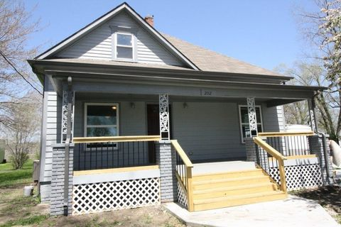 202 W Hortense St, Orrick, MO 64077
