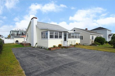 193 Tilton St, Seabrook, NH 03874