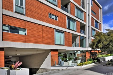 Photo of 6735 Yucca St Unit 408, Los Angeles, CA 90028
