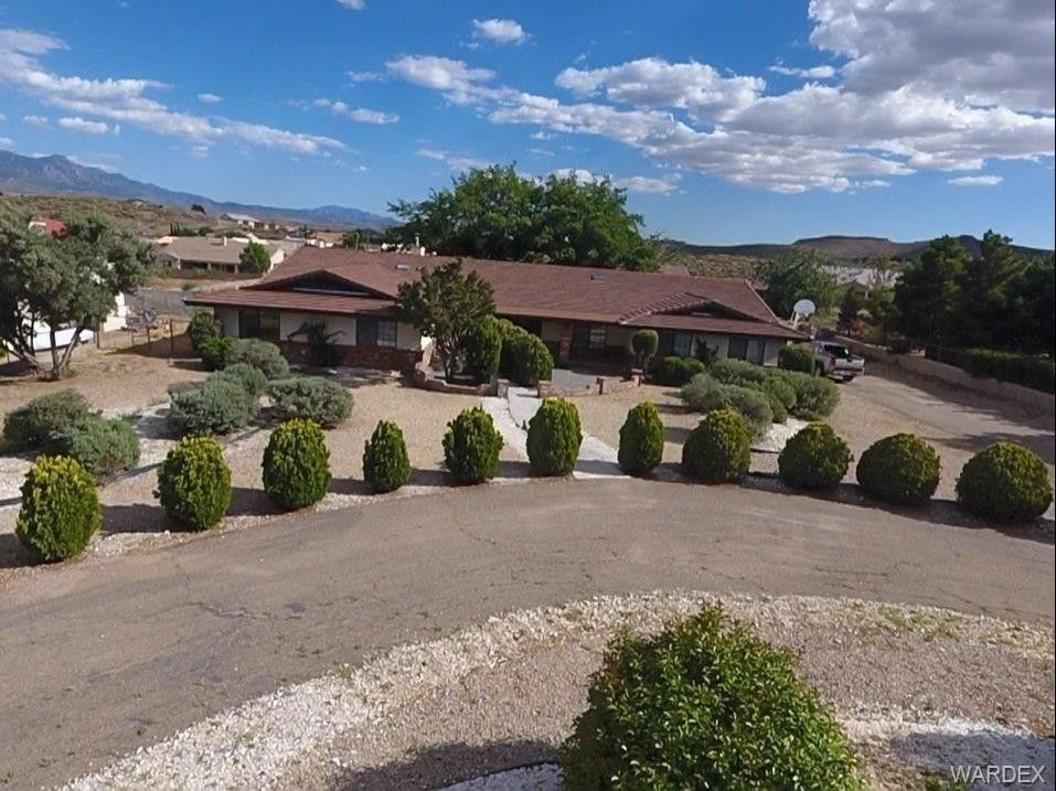 630 Shadow Mountain Dr, Kingman, AZ 86409