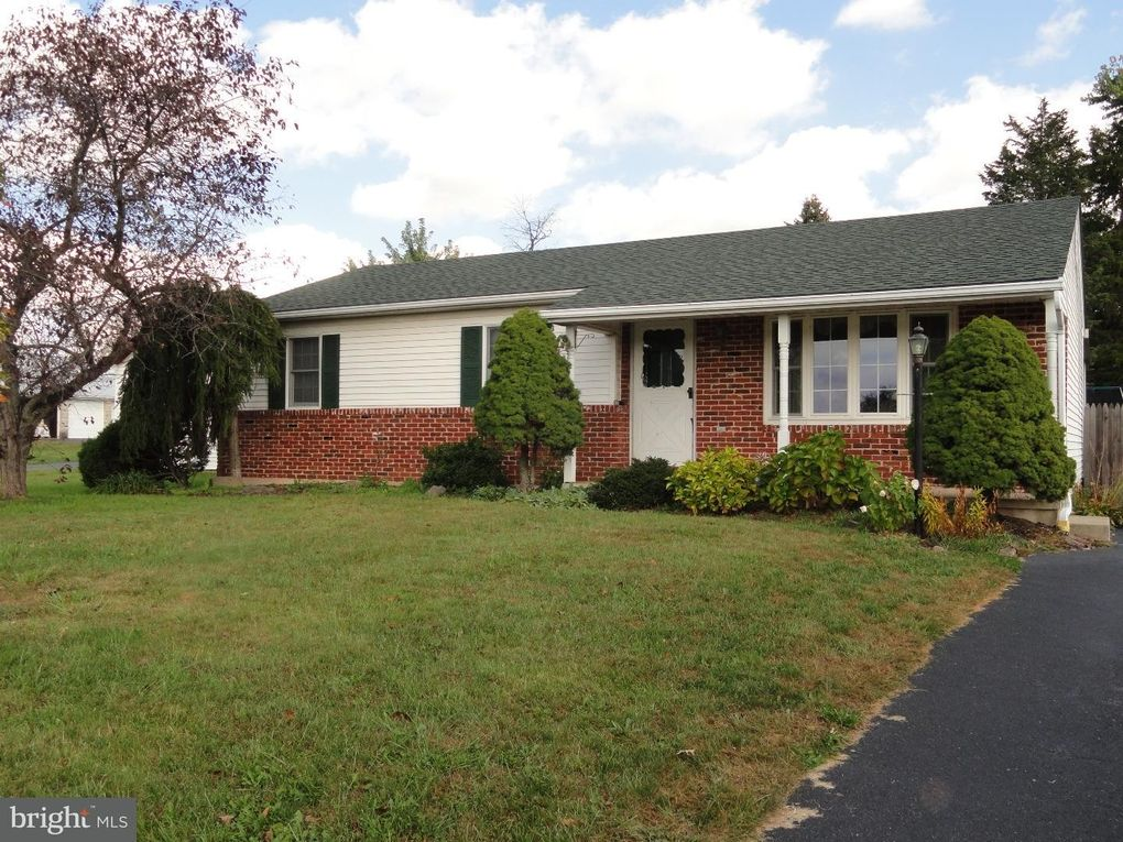 1052 Montgomery Ave Pennsburg, PA 18073