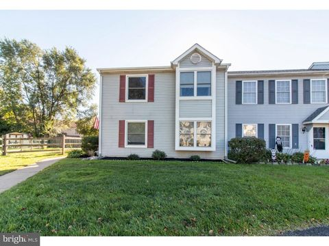 9 Churchill Cir, Horsham, PA 19044