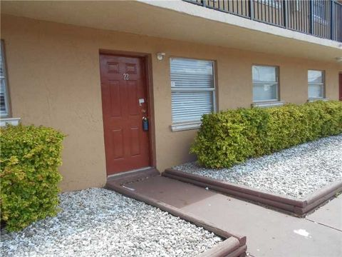 5461 W 24th Ave Apt 22, Hialeah, FL 33016