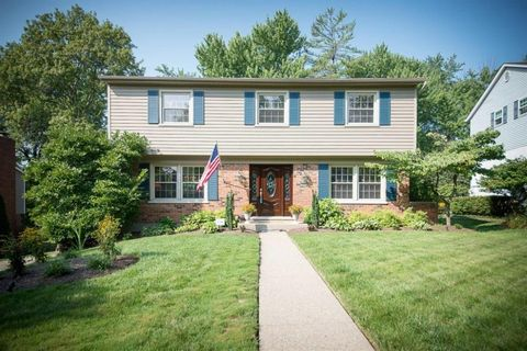 2501 Wingham Dr, Green Township, OH 45238