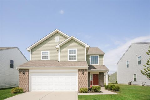 Photo of 11802 Fawn Crest Dr, Indianapolis, IN 46235