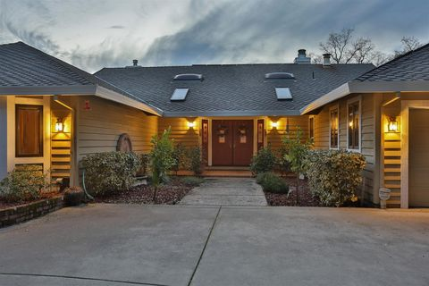 4520 Meadow Creek Rd, Placerville, CA 95667